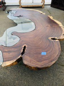 Parota wood and glass inlay
